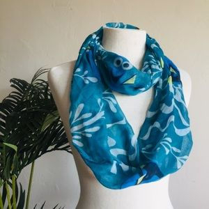 Disney Finding Dory Infinity Scarf